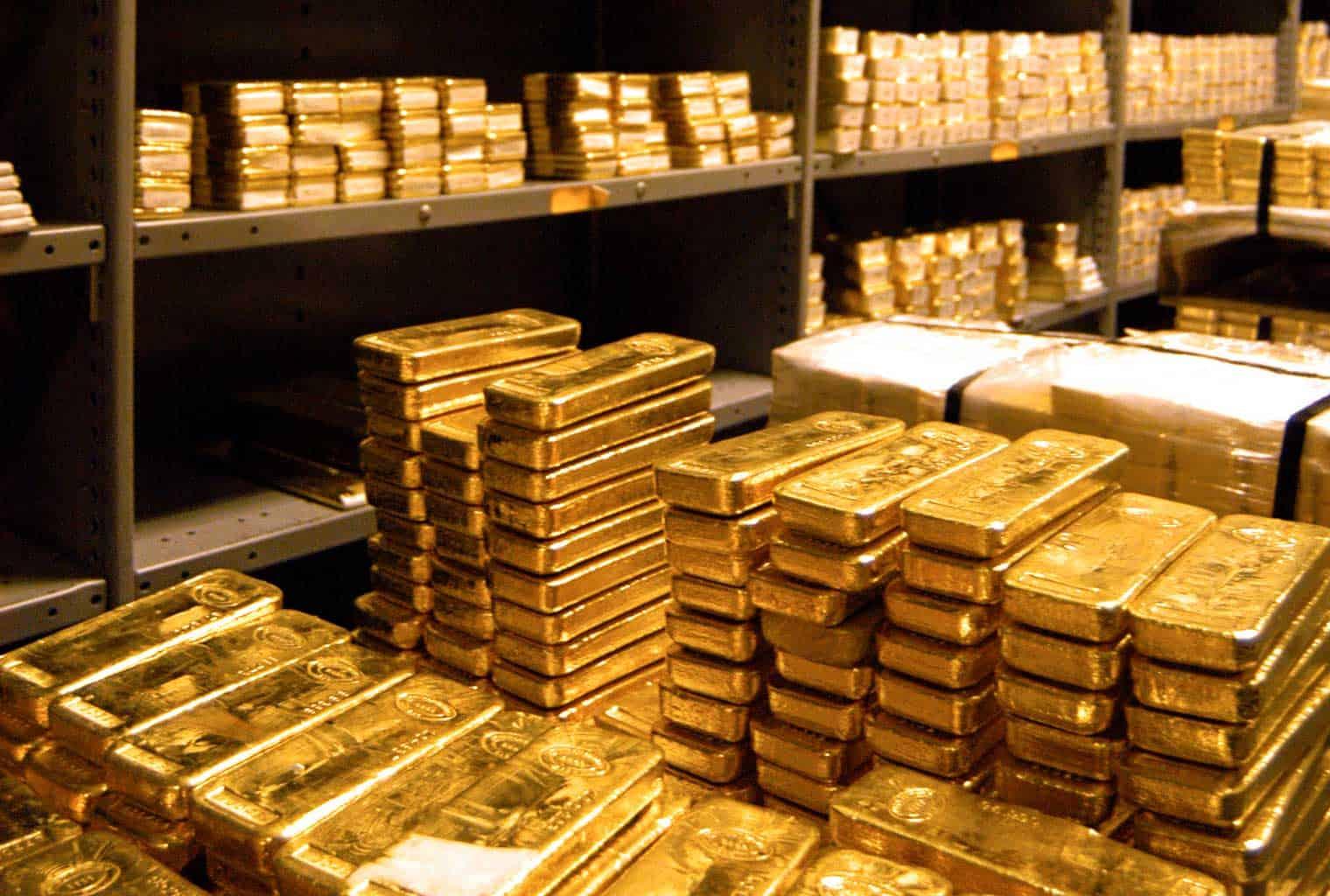 Zlatne poluge i zlatne pločice